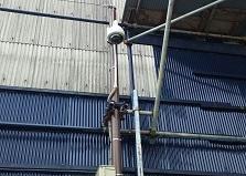 電源がない場所にも!廿日市市倉庫ネットワークカメラ設置工事