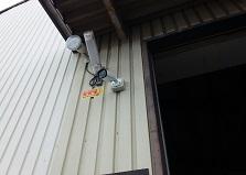 取付方法もご相談下さい!竹原市企業様工場防犯カメラ設置工事